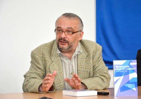 'O mică atenţie...': Universitarul orădean Mihai Maci reacţionează în scandalul cadourilor pregătite de părinţi pentru profesorii de la Gojdu