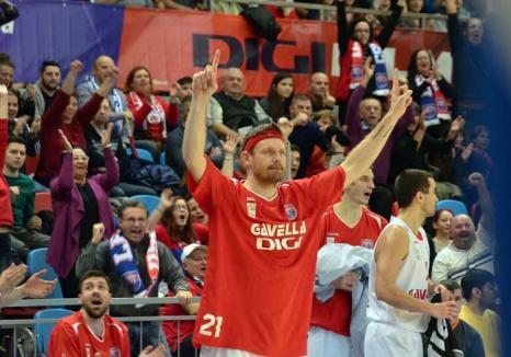 Campion în linişte: Deşi lipsit de auz, noul baschetbalist al CSM Oradea a ajuns la un renume mondial