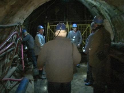 Minerii din Băița vor petrece a doua noapte în subteran