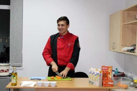 Masterchef la domiciliu: Un tânăr bucătar din Oradea dă lecţii de gastronomie, gratis, acasă la oricine îl cheamă