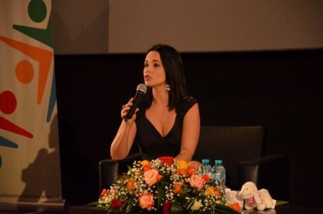 Preţuieşte viaţa: Orădenii au primit sfaturi de la Andreea Marin (FOTO/VIDEO)