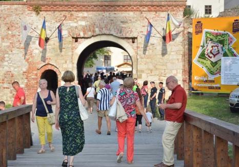Weekend-uri cu tradiţii: Septembrie aduce în Oradea o suită de weekenduri tematice, specifice minorităţilor etnice