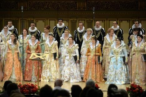 """Corul """"angelic"""", la Oradea! Corul Naţional Madrigal concertează la Teatru alături de soprana Florina Mariş Hinsu"""