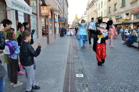 Paradă de poveste: Pe 1 iunie, copiii vor putea urmări o paradă cu personaje Disney, prinţi, prinţese, caleşti şi dansatori