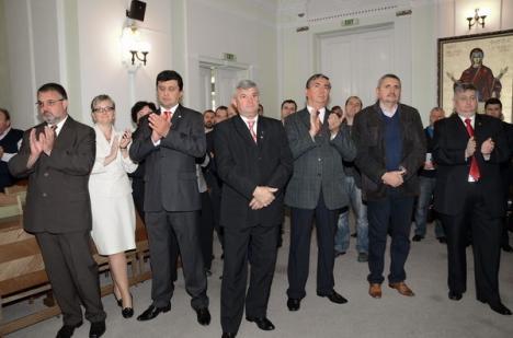 """Candidaţii orădeni ai USL şi-au prezentat """"Programul pentru Oradea"""" (FOTO)"""