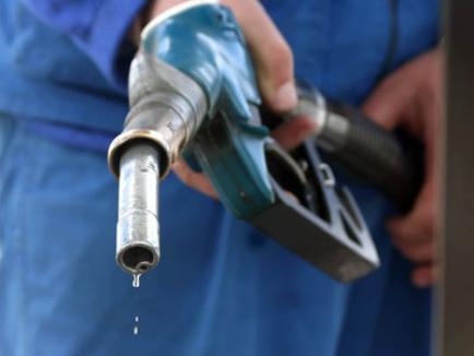 Veste bună de Crăciun: s-a ieftinit benzina