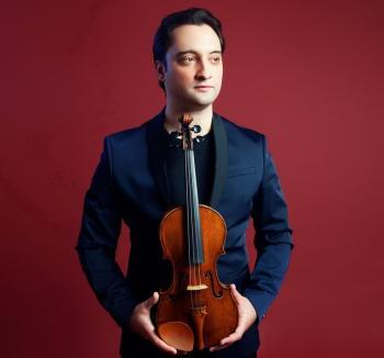 Dirijorul Artur Kaganovskiy din SUA conduce concertul de joi de la Filarmonică