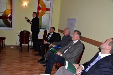 Candidaţii USL au lipsit de la dezbaterea Coaliţiei Rogerius pe problema costurilor utilităţilor publice
