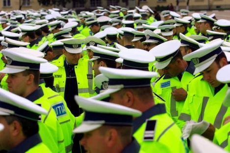 Încep disponibilizările printre poliţişti