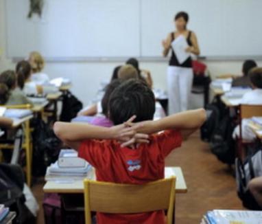 A venit vacanţa cu trenul din Franţa: se încheie anul şcolar