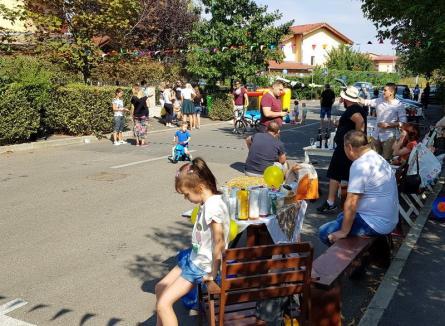 """'Bună ziua, vecine!' Locuitorii din """"Europa"""" au sărbătorit în stradă ziua cartierului (FOTO / VIDEO)"""
