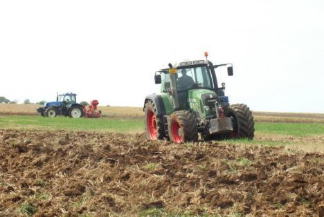 Fermieri, cereţi-vă subvenţia! APIA Bihor va prelua din 2 martie cererile de plată pentru anul 2020
