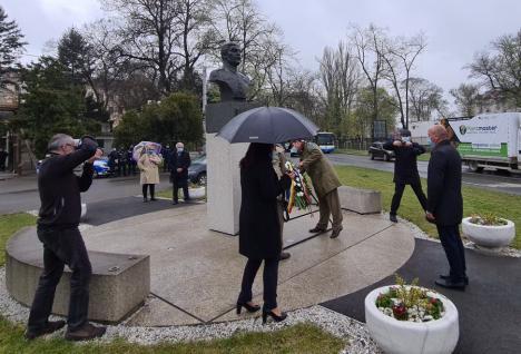 Fără fanfară și fast. Festivitățile organizate cu ocazia împlinirii a 102 ani de la eliberarea Oradiei au durat două minute (FOTO / VIDEO)