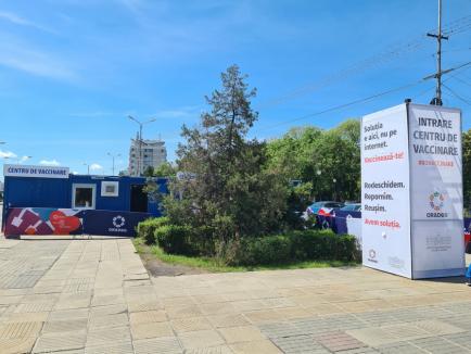 S-a deschis centrul de vaccinare modular din centrul Oradiei. Vezi cum decurge imunizarea! (FOTO / VIDEO)