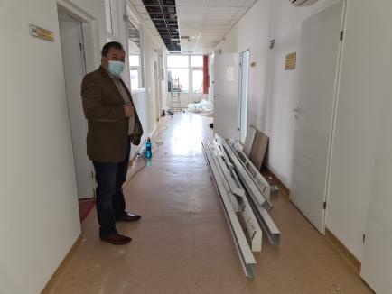 TIR cu 12 paturi ATI pentru pacienţii Covid, instalat în curtea Spitalului Municipal din Oradea (FOTO / VIDEO)