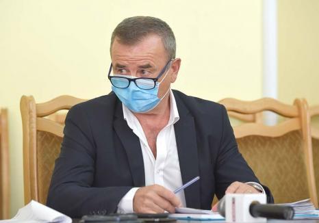 Retrospectiva săptămânii, prin ochii lui Bihorel: Ministrul educației pe județ vorbește despre toaletele online din școli