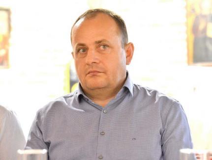 Retrospectiva săptămânii, prin ochii lui Bihorel: Cum s-a ridicat în picioare piticul atomic de la ALDE