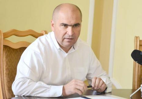 Retrospectiva săptămânii, prin ochii lui Bihorel: Bolovan, supărat că un primar de comună primitivă câștigă cât unul de municipiu