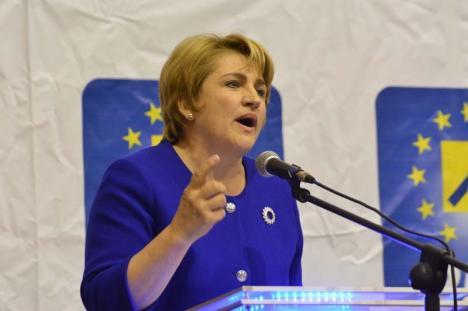 La stânga-mprejur: Lucia Varga vrea să plece de la PNL în partidul lui Victor Ponta