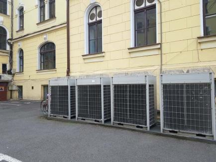 Căldură mare! Funcţionarii Primăriei Oradea se coc din cauza unei defecţiuni la aerul condiţionat
