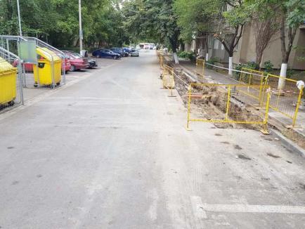 Parcări la apă: Cum au rămas peste noapte fără locurile de parcare câţiva orădeni de pe strada Slatinei