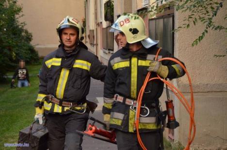 Tragedie înfiorătoare: Rămas fără serviciu, un bărbat din Hajduszoboszlo şi-a otrăvit copilul, apoi s-a spânzurat, iar soţia lui şi-a tăiat venele (FOTO)