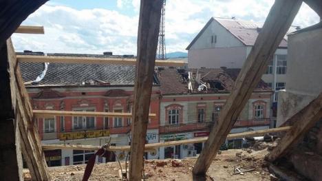 Patru şcoli şi două grădiniţe din Bihor rămân închise şi marţi