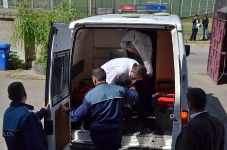 Acuzat de evaziune fiscală de 1,8 milioane de euro preotul Ovidiu Pop şi doi dintre complicii săi, au fost arestaţi (FOTO)