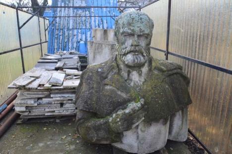Amendă pentru bolovani: Primăria Oradea, pusă la plată pentru statuia lui Gojdu