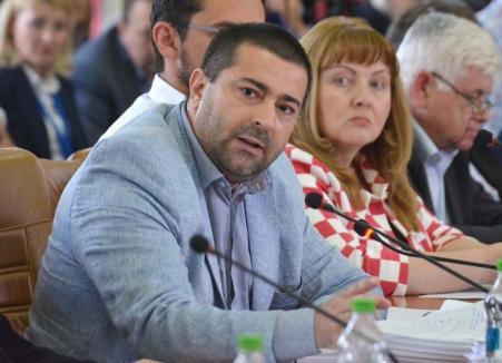 """Retrospectiva săptămânii, prin ochii lui Bihorel: La Spitalul Municipal managerul face revoluție împotriva """"bandiţilor"""""""