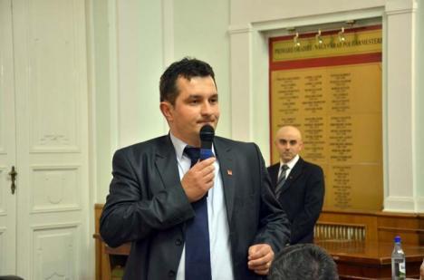Concurs în limbi: Agenţii de pază care vor să lucreze la Aeroportul Oradea trebuie să fie pricepuţi la… engleză şi calculatoare