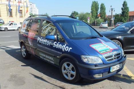 Pasztor, voiajorul: Președintele Consiliului Județean o ține din excursie în excursie
