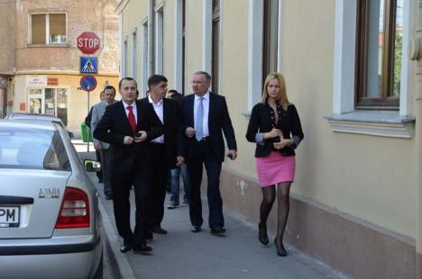 Ana nu mai vine: Fosta protejată a lui Mang a pierdut şi mandatul de consilier, şi procesul cu PSD
