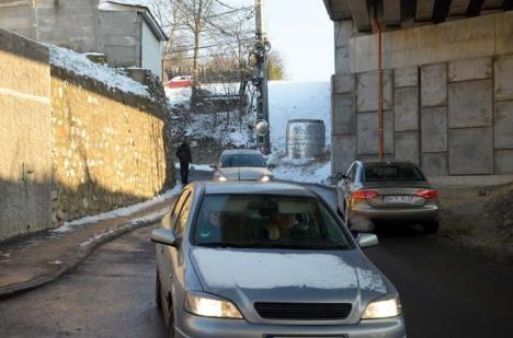 Drum stupid: Cum îi blochează drumul rapid pe orădenii de pe dealuri