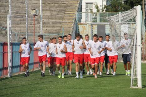 Niciun oficial din partea administraţiei locale, la reuniunea de lot a FC Bihor (FOTO)