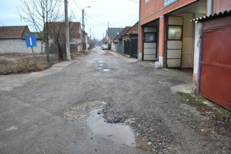 Opt străzi din Tokai care n-au văzut niciodată asfaltul sunt acum modernizate (FOTO)