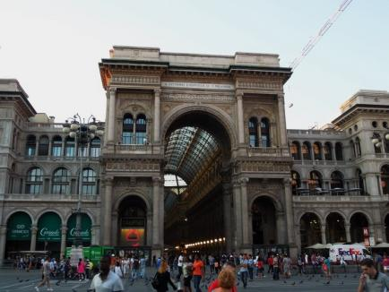 Oradea importată: Clădirile simbol ale oraşului au fost inspirate de modele similare din mari oraşe europene (FOTO)