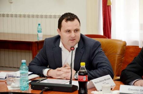 Merka, ca miticii: Deputatul Adrian Merka se preface că nu mai poate de grija drumurilor din Bihor