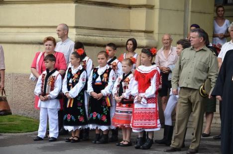 Deşteaptă-te, române! Ziua imnului, sărbătorită la Oradea cu momente artistice şi defilarea Gărzii de Onoare (FOTO)