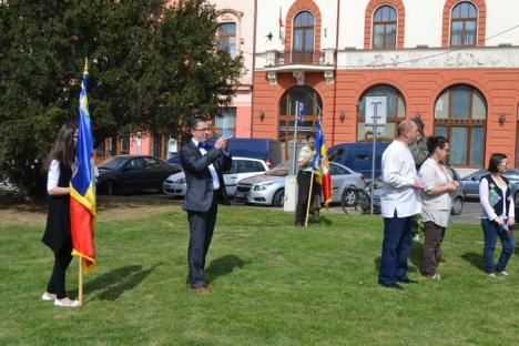 Monarhiştii orădeni au sărbătorit Ziua Regatului României (FOTO)