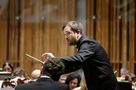 Mozart şi Beethoven, sub bagheta italianului Andrea Barizza la Filarmonică