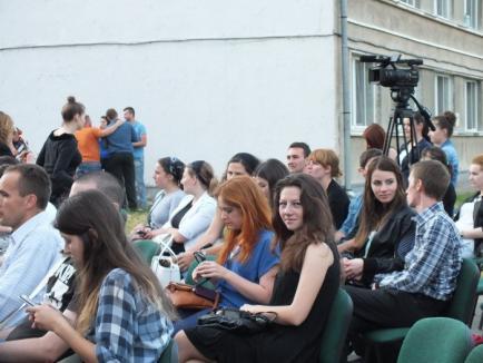 Concert cu emoţii: Festivalul Artelor Studenţeşti a început cu intervenţia SMURD, după ce unei studente i s-a făcut rău (FOTO/VIDEO)