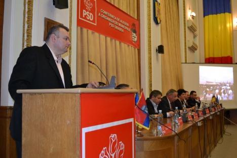 Ioan Mang, la alegerile organizaţiei PSD Oradea: Trebuie să ne pregătim pentru lupta cu PNL din 2016 (FOTO)