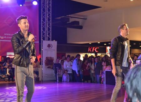 OSC a serbat un an de existenţă cu gratuităţi şi un concert Akcent (FOTO)