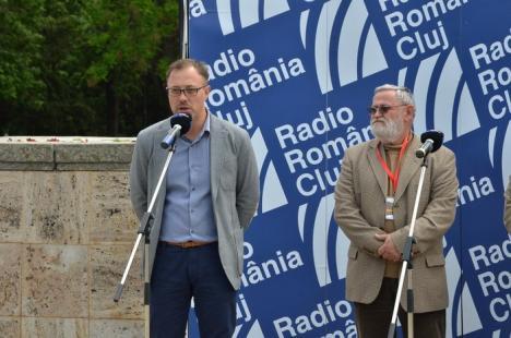 S-a deschis Târgul Gaudeamus! Primarul Ilie Bolojan şi şeful Poliţiei, Liviu Popa, printre primii cumpărători (FOTO)