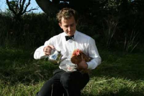 Găini fericite: pot merge în vacanţă la un hotel din Anglia