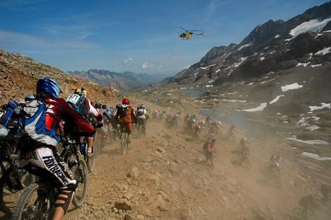 Un orădean va coborî Alpii francezi cu bicicleta