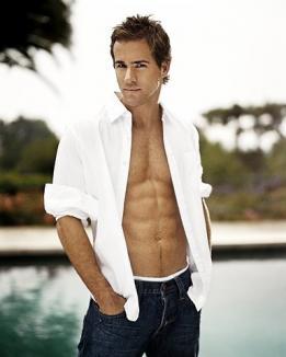 Clooney şi Pitt detronaţi: cel mai sexy bărbat din lume e Ryan Reynolds