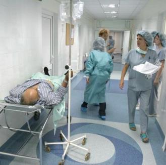 Spitalele nu mai fac operaţii din lipsa fondurilor