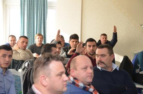 Nu impozitaţi diurna! 200 de transportatori protestează împotriva măsurii ANAF (FOTO)